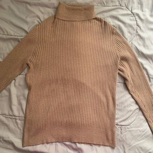 Sweaters - Tan ribbed turtleneck sweater